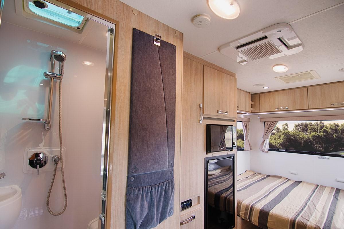 Jayco 3 Berth Cruiser Motorhome - Campervan Hire in Australia