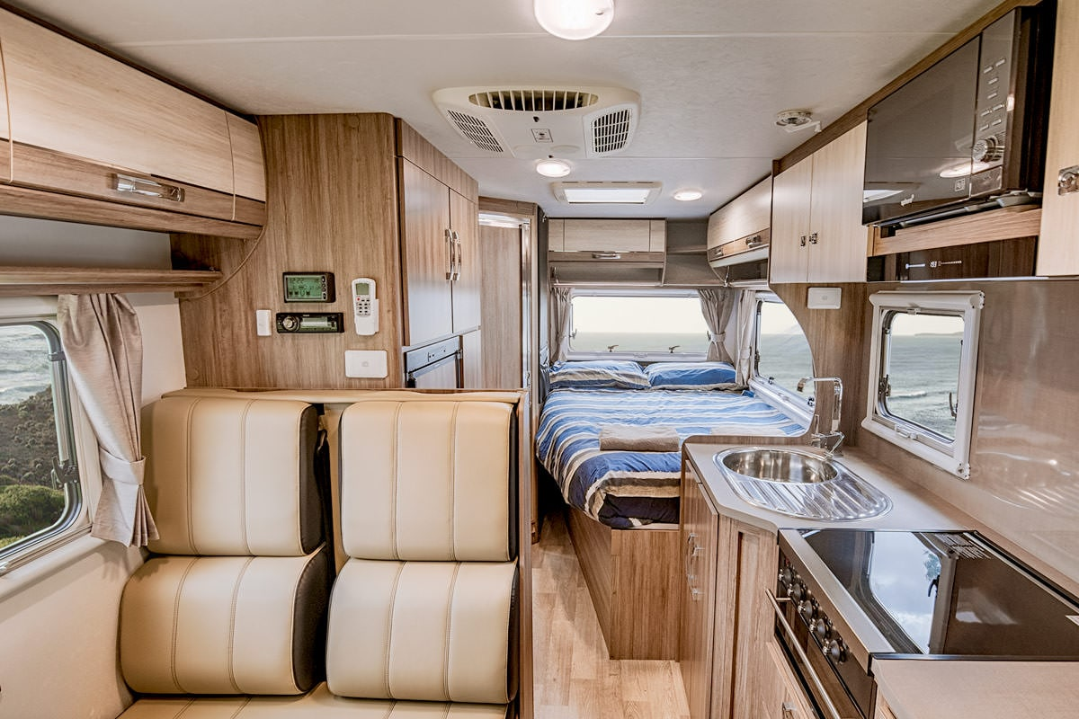 Jayco 4 Berth Conquest Motorhome Hire Let S Go Motorhomes