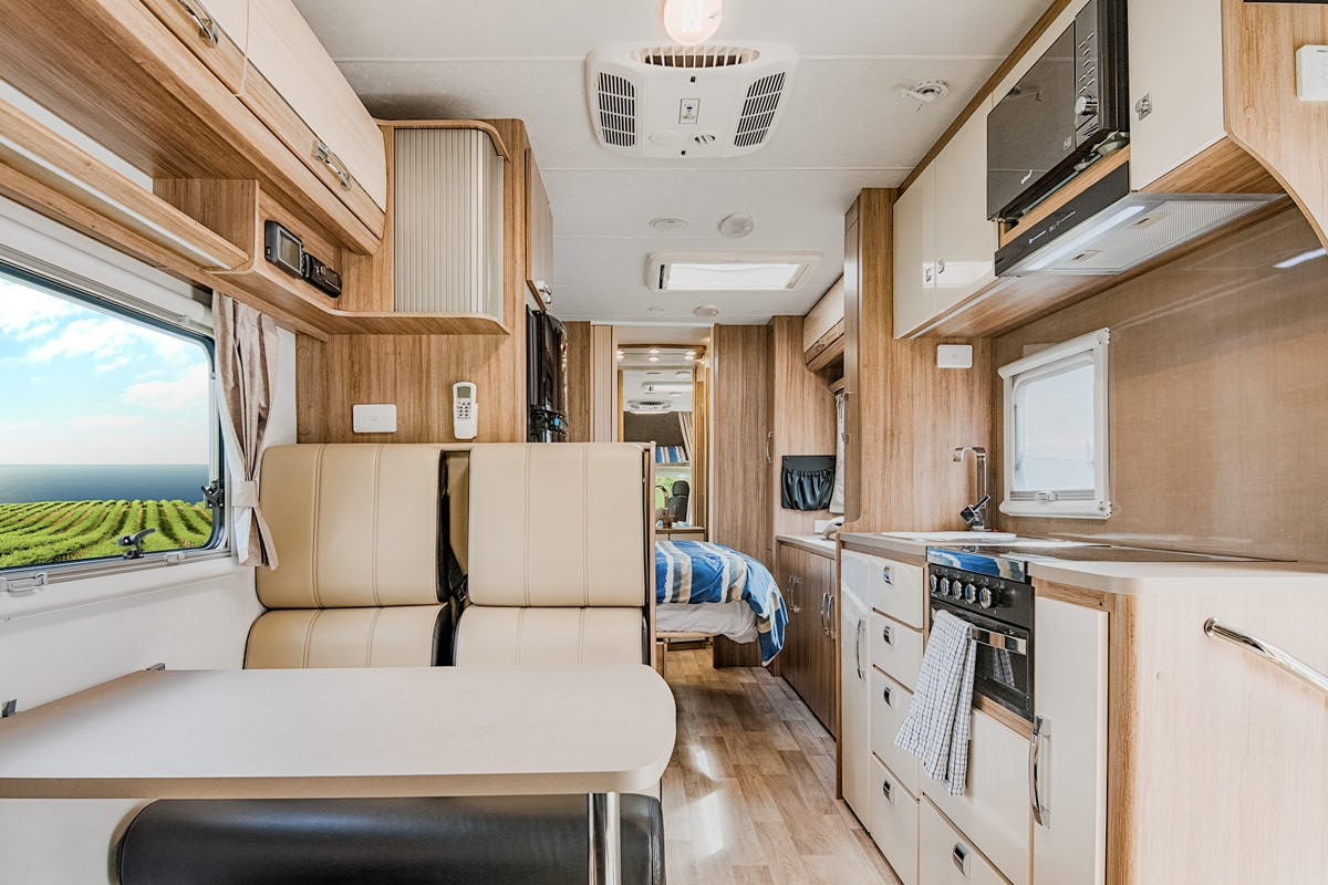 Jayco Conquest Royale Motorhome Hire Let S Go Motorhomes